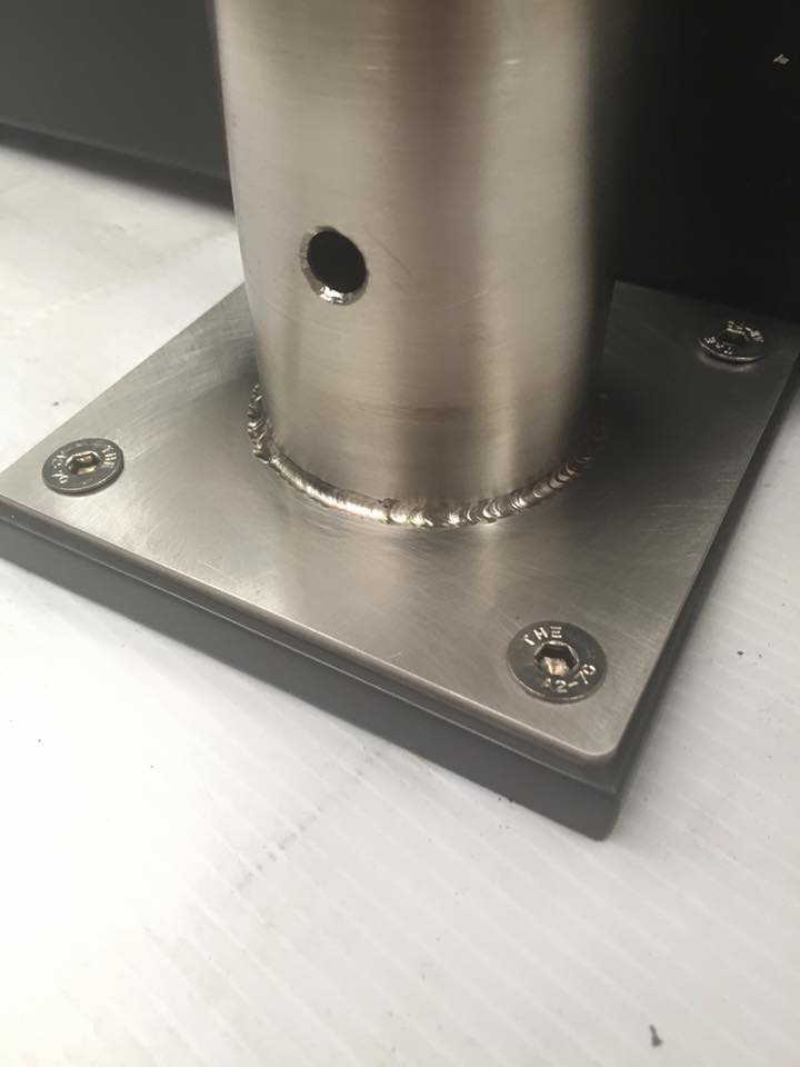 Stainless steel mounting plate.